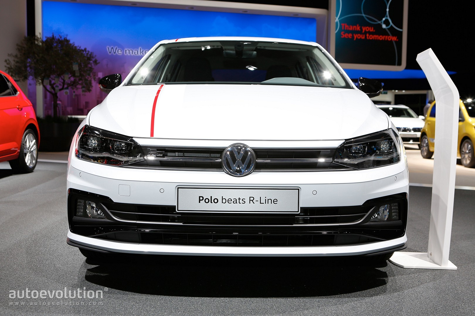 2018 vw polo beats r line is unusually colorful in for Interieur nouvelle polo
