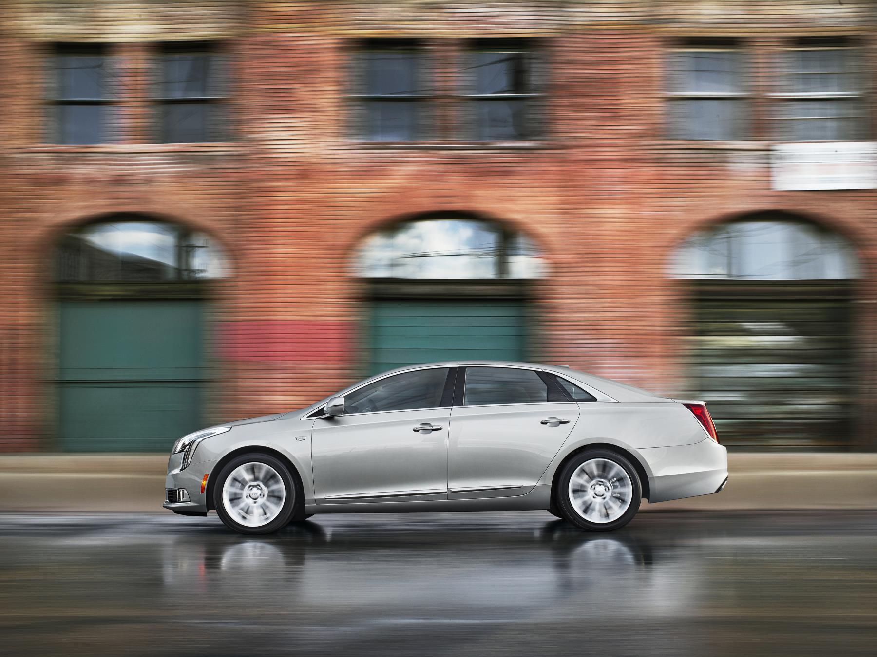 sport car cadillac review xts platinum v reviews