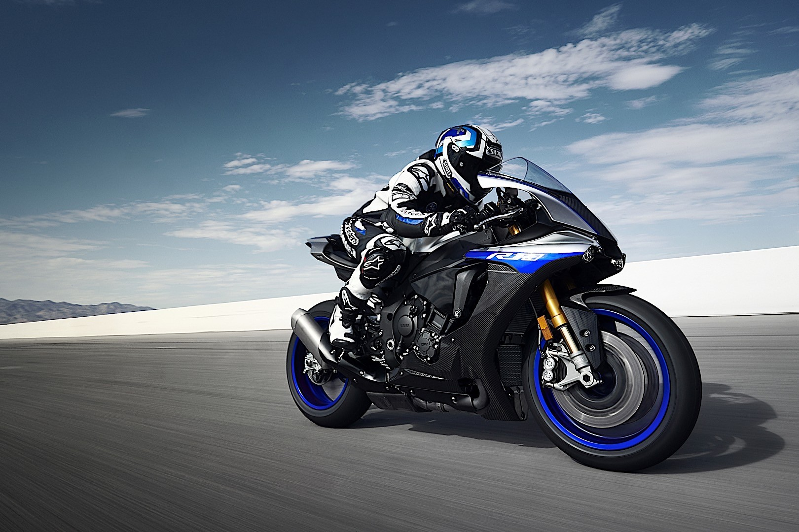 2015 yamaha yzf r1 r1m and r3 european prices announced autoevolution. Black Bedroom Furniture Sets. Home Design Ideas