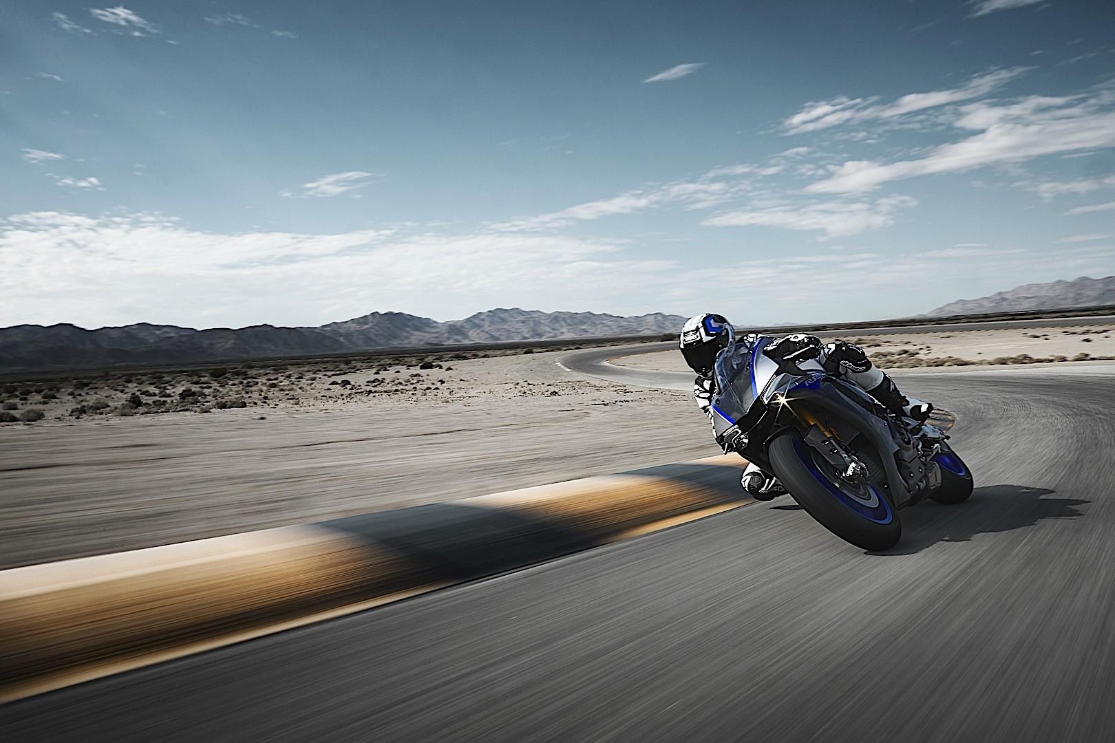 ... 2018 Yamaha YZF R1 ...