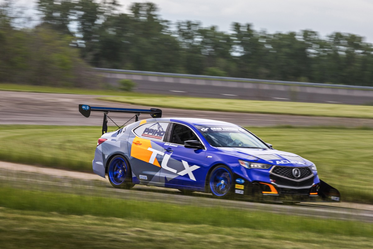 2019 Acura RDX Turned Into a Racing Car for Pikes Peak International Hill Climb - autoevolution
