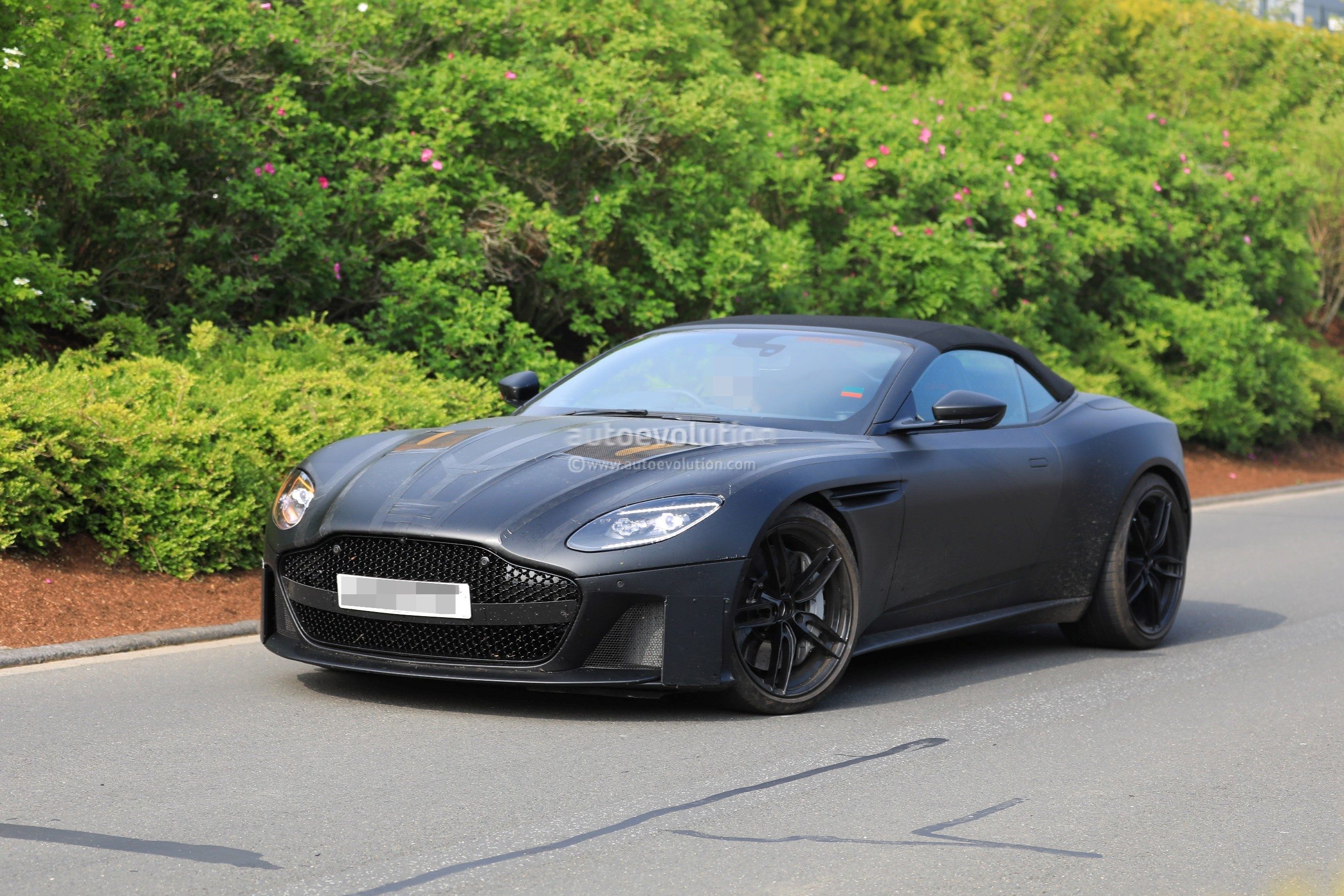 2019 aston martin dbs superleggera shows more skin debuts june 26th autoevolution. Black Bedroom Furniture Sets. Home Design Ideas