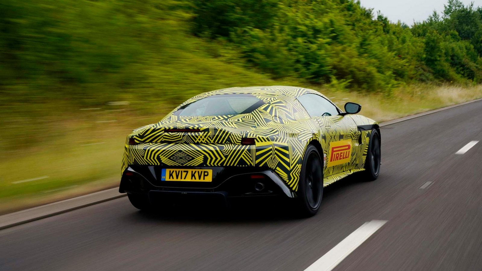 official spyshots 2019 aston martin v8 vantage looks like db10 in camouflage autoevolution. Black Bedroom Furniture Sets. Home Design Ideas