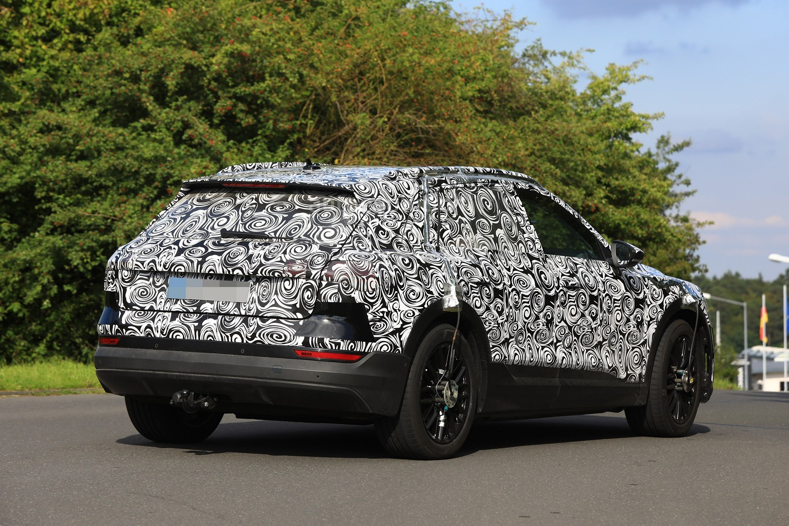 2019 Audi e-tron SUV: Tesla Rival Spied Testing Around ...
