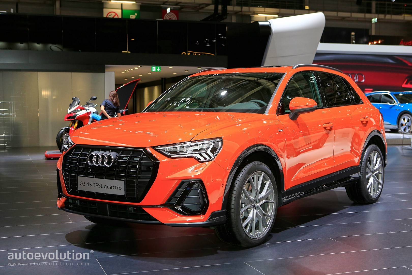 2019 audi q3 debuts in paris with best compact suv. Black Bedroom Furniture Sets. Home Design Ideas