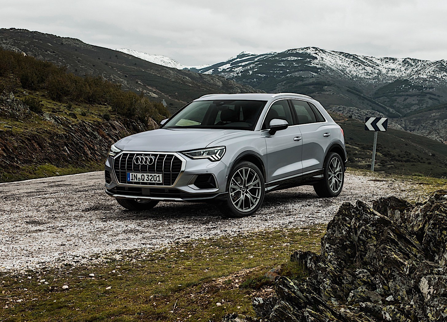 2019 audi q3 priced from 33 700 eur sales start announced. Black Bedroom Furniture Sets. Home Design Ideas