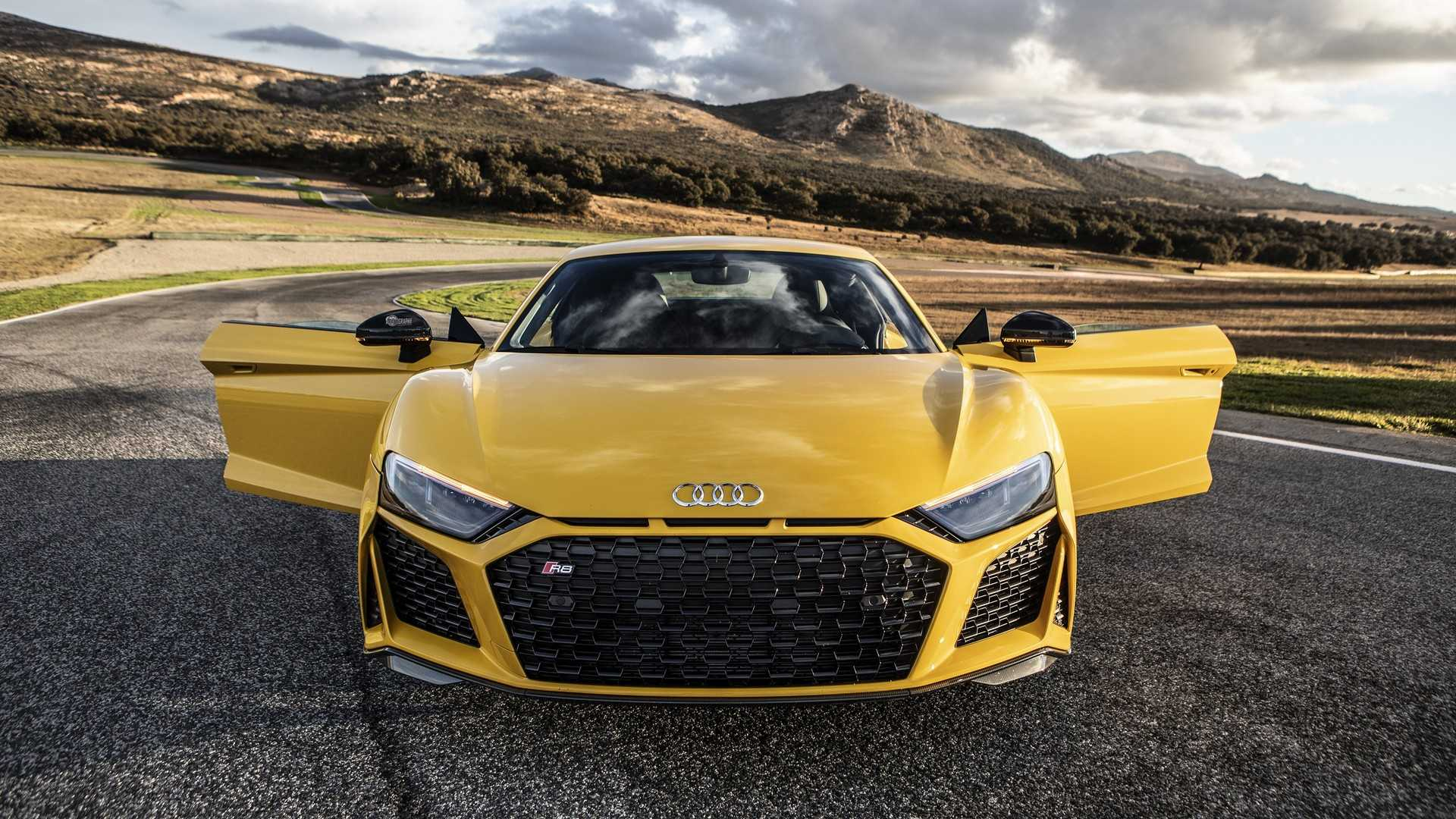 2019 Audi R8 V10 Performance Looks Brutal In Yellow Autoevolution