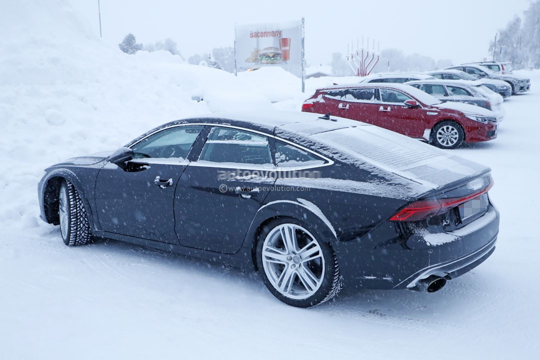 spyshots 2019 audi rs7 mule makes snowy return with the same deceiving body autoevolution. Black Bedroom Furniture Sets. Home Design Ideas