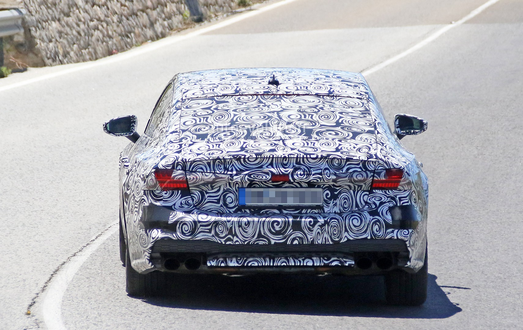 2017 - [Audi] A7 Sportback II - Page 4 2019-audi-s7-spied-in-detail-looks-ready-to-downsize-to-29-tfsi_10