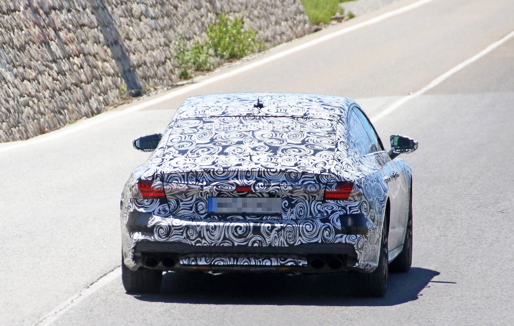 2017 - [Audi] A7 Sportback II - Page 4 2019-audi-s7-spied-in-detail-looks-ready-to-downsize-to-29-tfsi_11