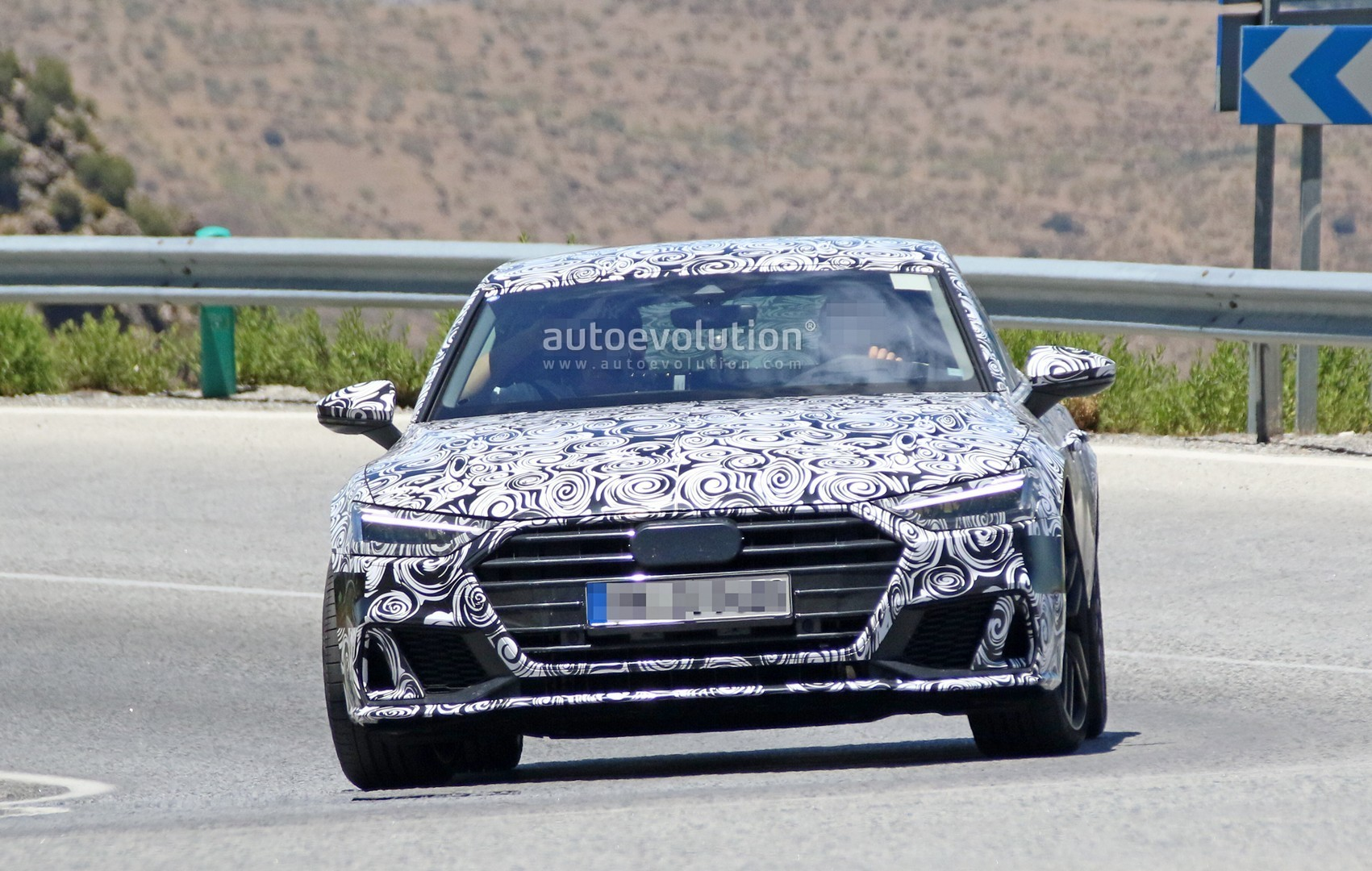 2017 - [Audi] A7 Sportback II - Page 4 2019-audi-s7-spied-in-detail-looks-ready-to-downsize-to-29-tfsi_2