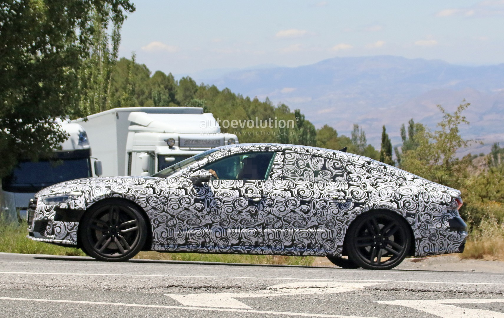 2017 - [Audi] A7 Sportback II - Page 4 2019-audi-s7-spied-in-detail-looks-ready-to-downsize-to-29-tfsi_6