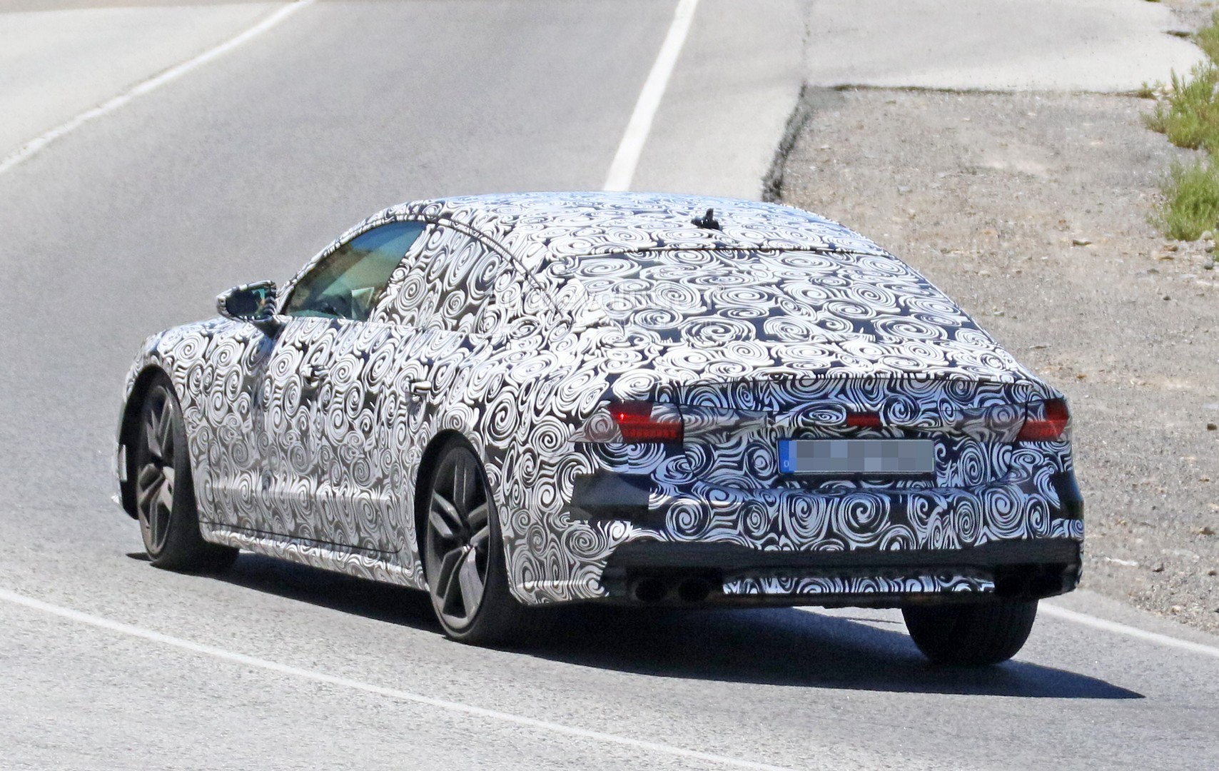 2017 - [Audi] A7 Sportback II - Page 4 2019-audi-s7-spied-in-detail-looks-ready-to-downsize-to-29-tfsi_9