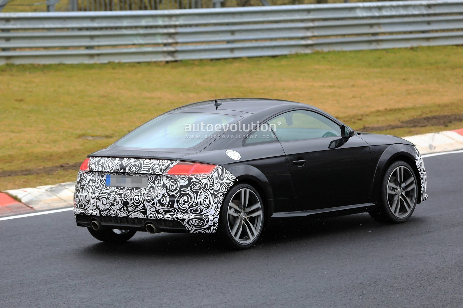 spyshots 2019 audi tt facelift spotted testing on the nurburgring autoevolution. Black Bedroom Furniture Sets. Home Design Ideas