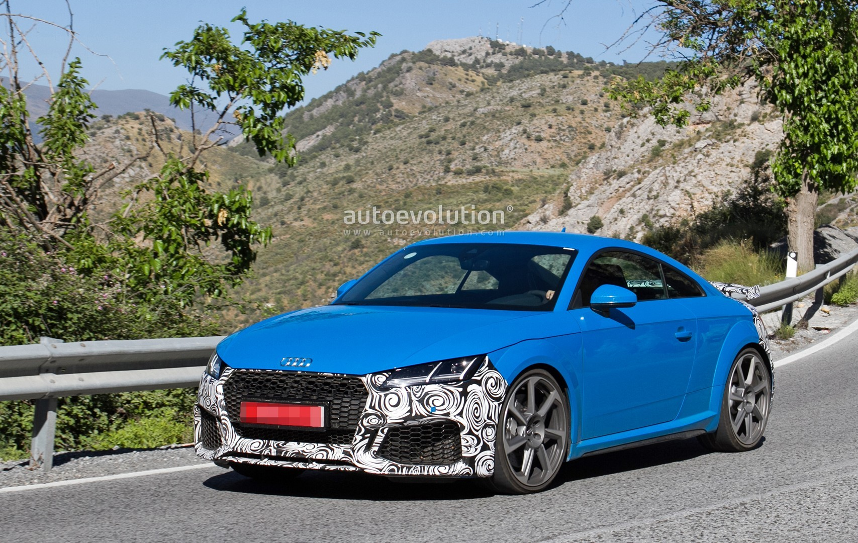 2019 Audi TT RS Spied With New RS Look and Fresh Blue ...