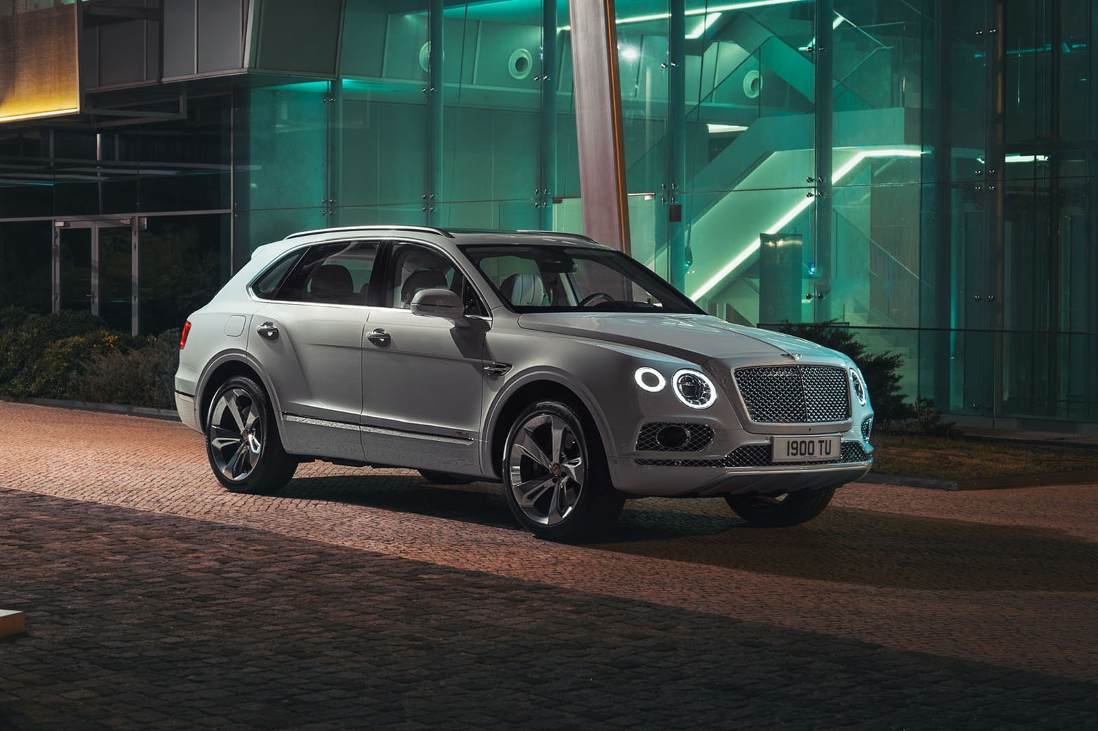Different Suv Models >> 2019 Bentley Bentayga Plug-in Hybrid Leaked Hours Before Its Official Release - autoevolution