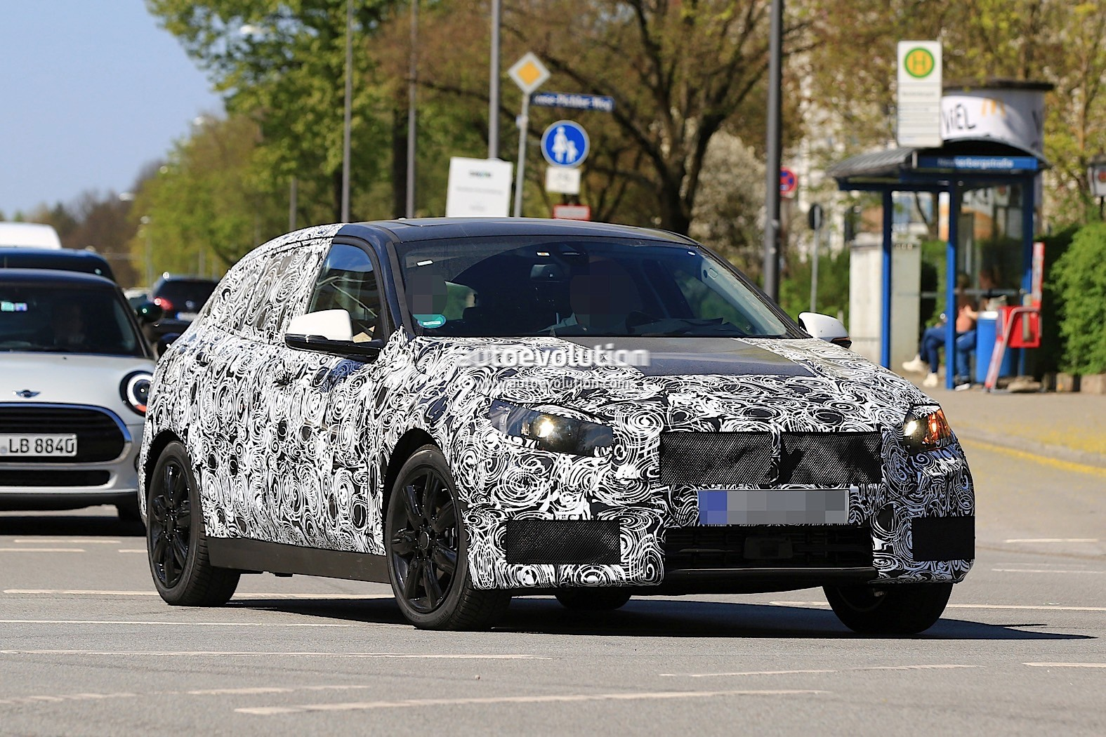 2019 bmw 1 series with front wheel drive spied for the. Black Bedroom Furniture Sets. Home Design Ideas