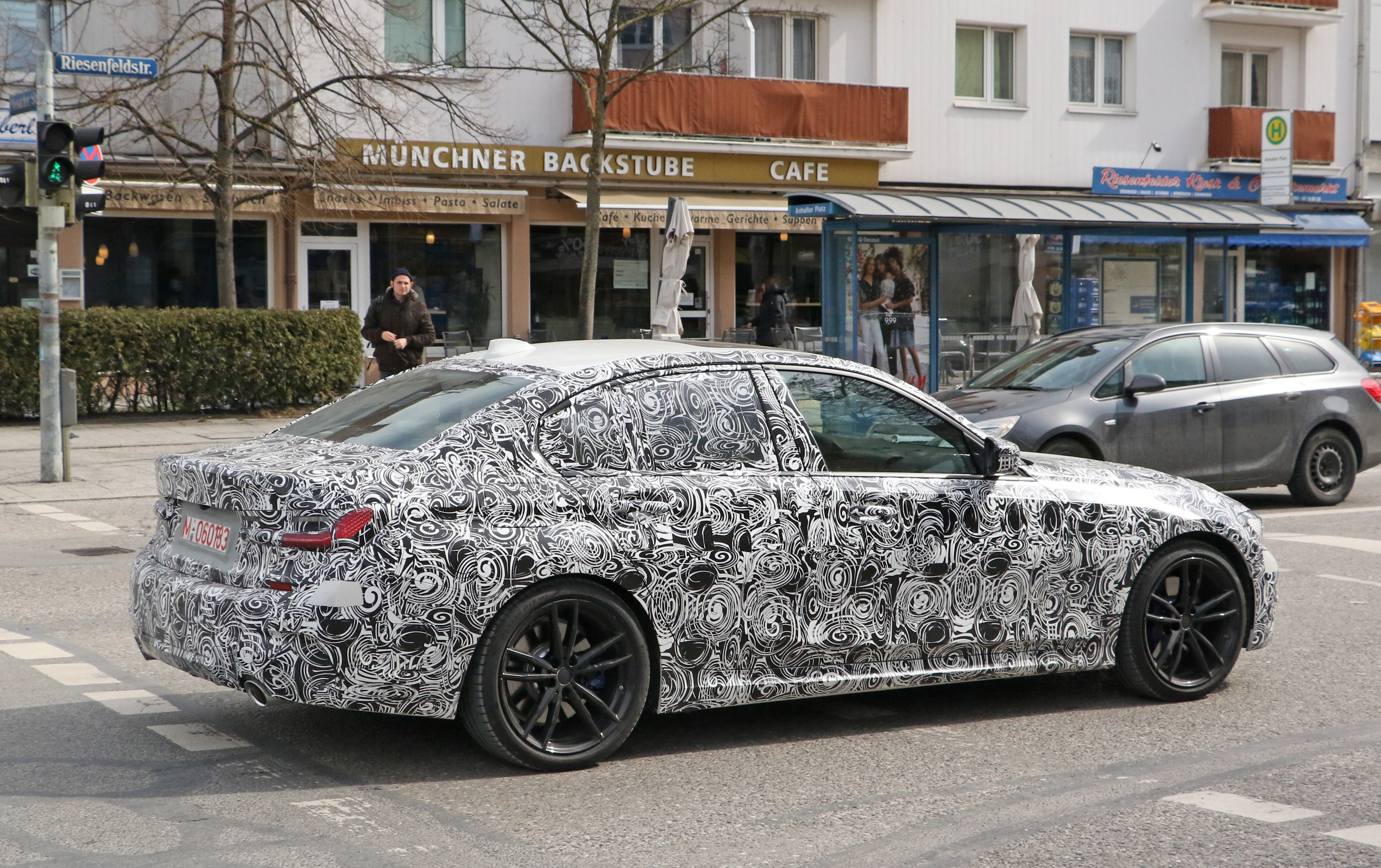 2019 bmw 3 series g20 shows all new interior m sport package autoevolution. Black Bedroom Furniture Sets. Home Design Ideas