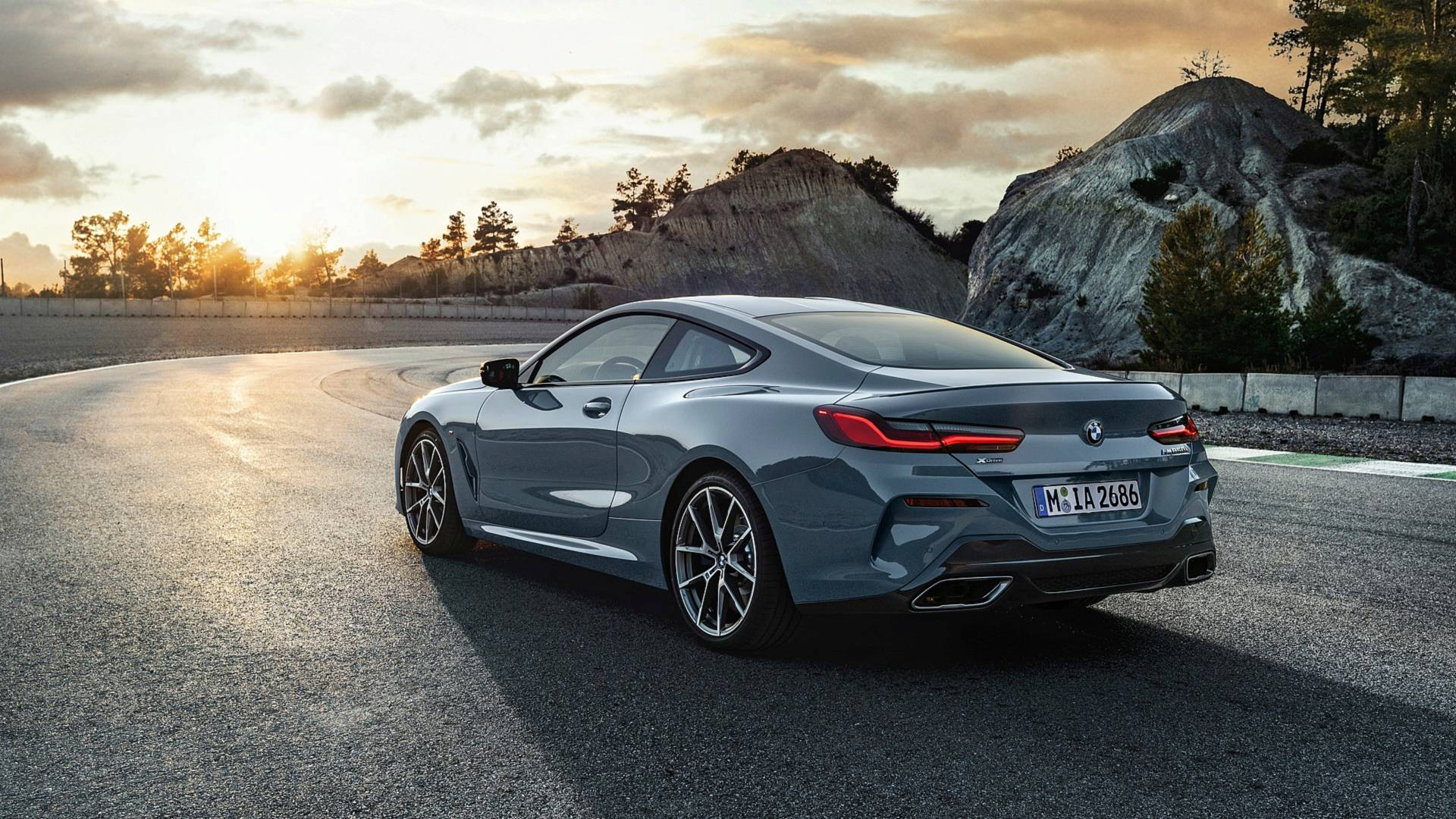 2019 bmw 8 series goes official m850i xdrive previews all new m8 autoevolution. Black Bedroom Furniture Sets. Home Design Ideas