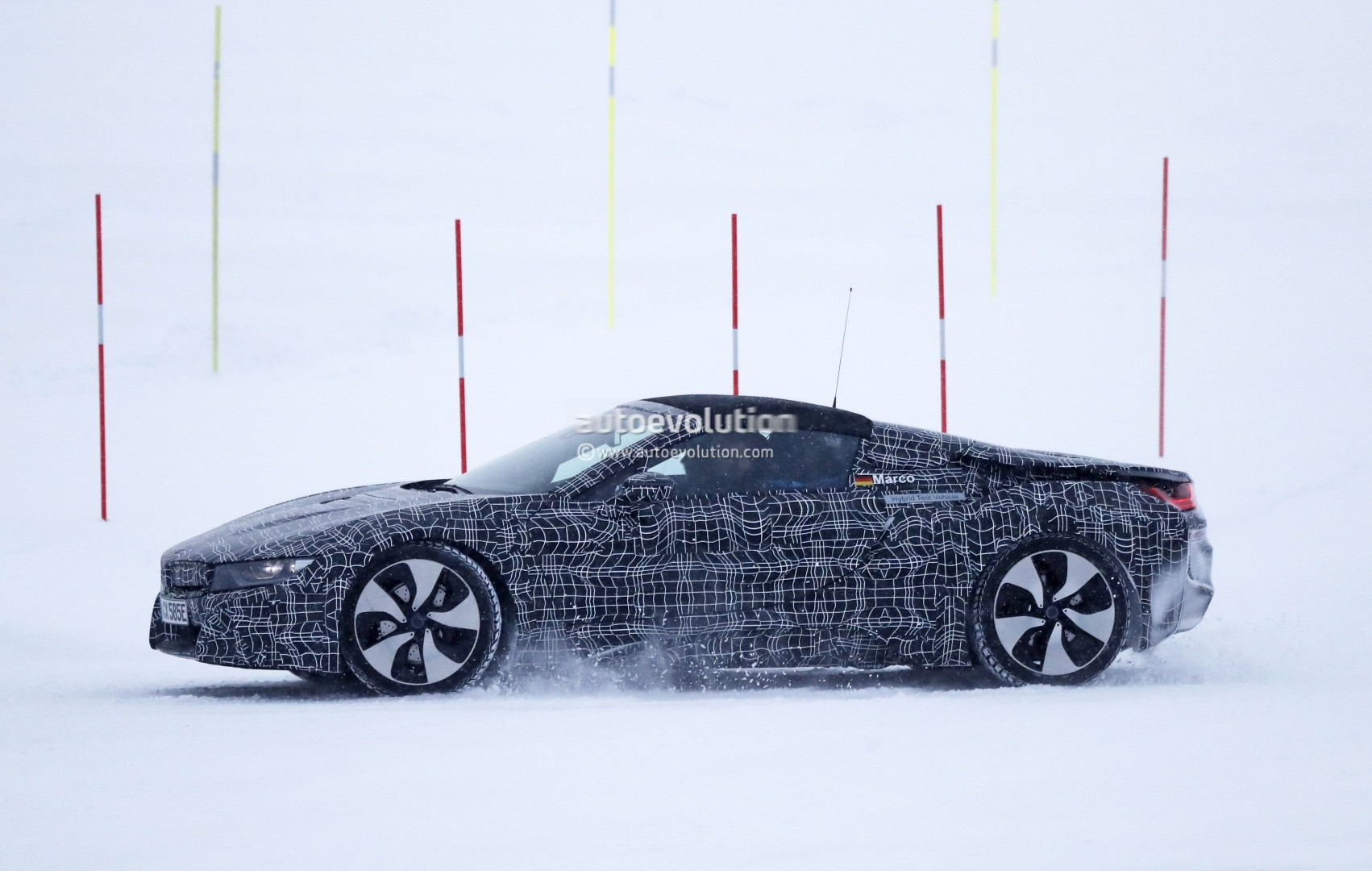 2019 Bmw I8 Spyder Spied With Soft Top Prototype Shows Production