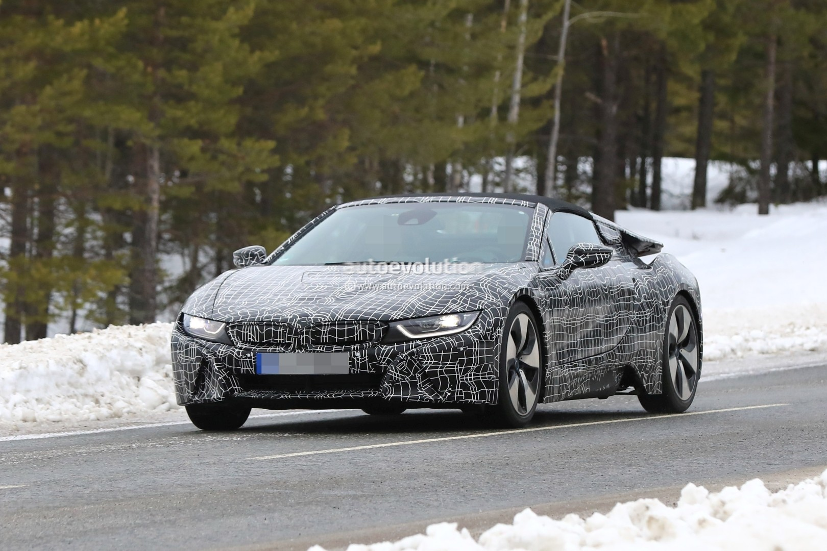 2019 Bmw I8 Spyder Spied Getting Closer To Production Autoevolution