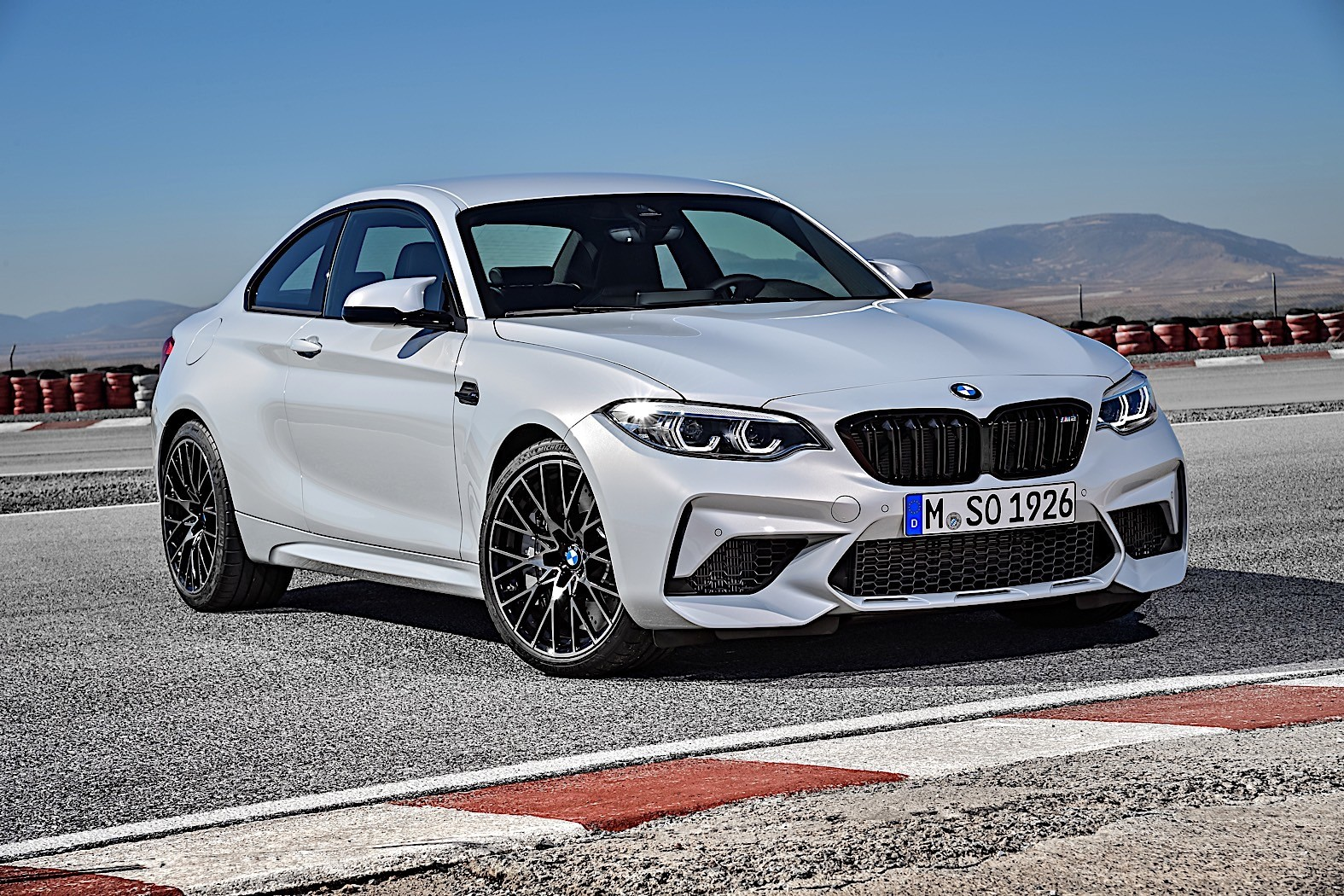 2019 bmw m2 competition priced 4 400 higher than m2 coupe. Black Bedroom Furniture Sets. Home Design Ideas