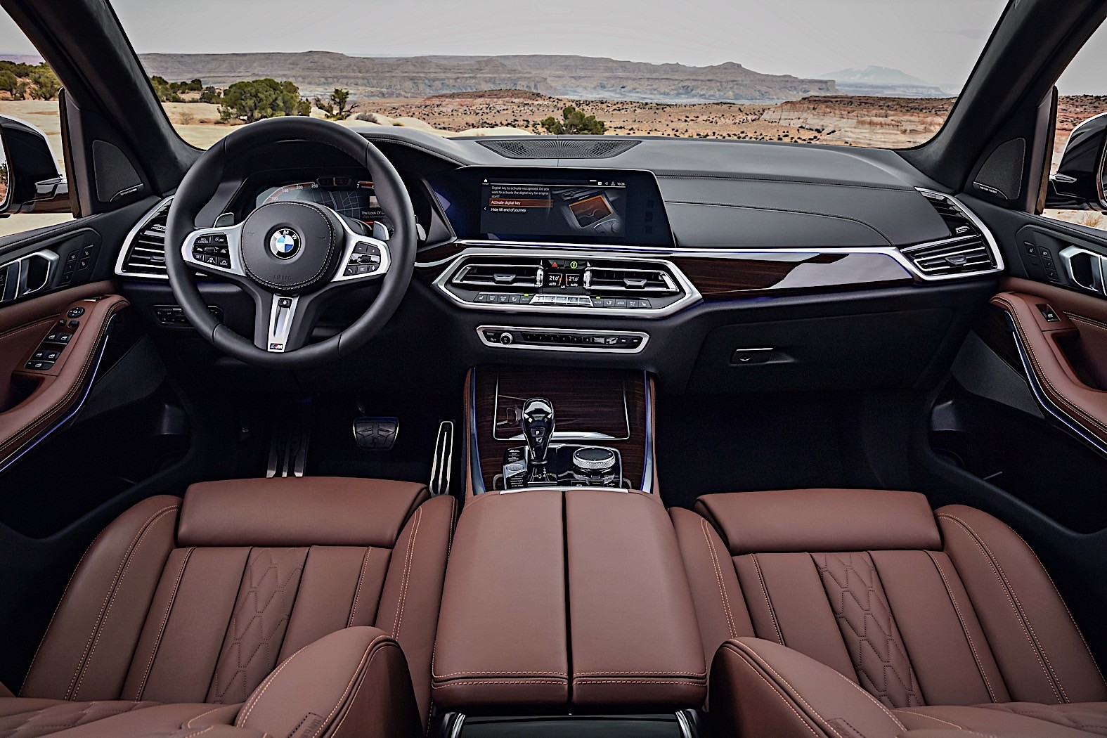 2019 bmw x5 breaks cover as bigger meaner suv autoevolution for Bmw x5 interior
