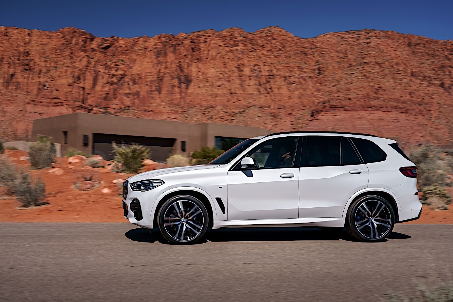 2019 bmw x5 configurator goes live autoevolution. Black Bedroom Furniture Sets. Home Design Ideas
