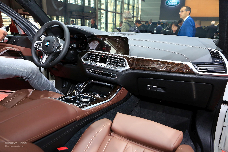 2019 bmw x5 shows luxurious interior in paris autoevolution for Garage bmw paris 12