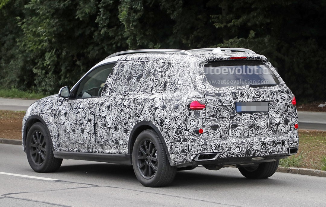2019 Bmw X7 Spied Near The Nurburgring Looking As Massive As Ever