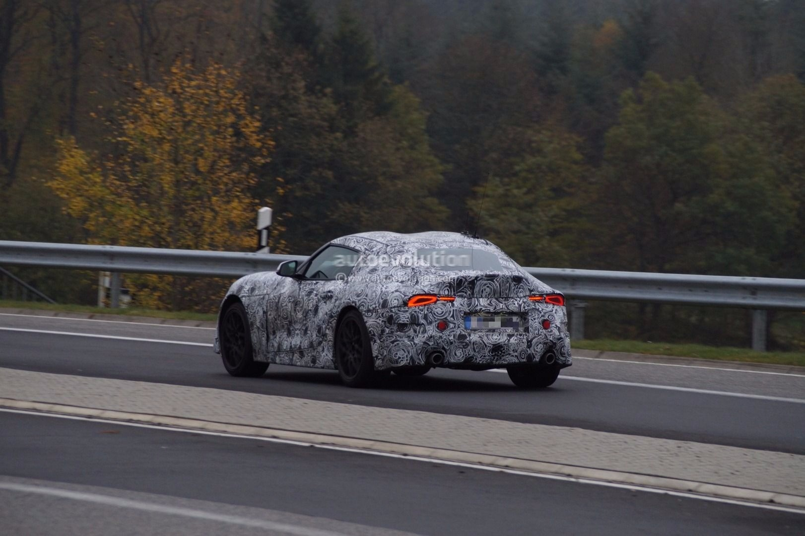 2019 Bmw Z4 And Toyota Supra Share Nurburgring Testing Session Autoevolution