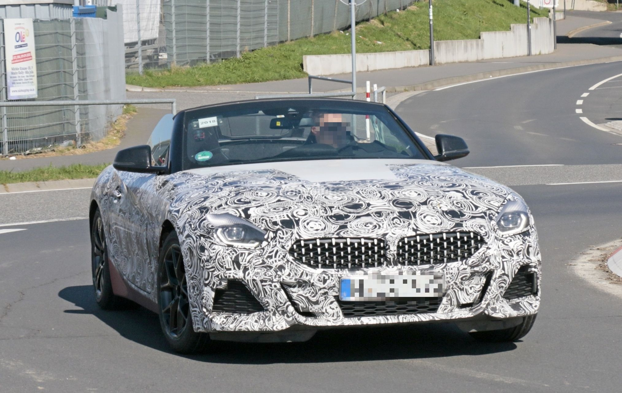 2019 Bmw Z4 Spied With Top Down Reveals Interior With Operating