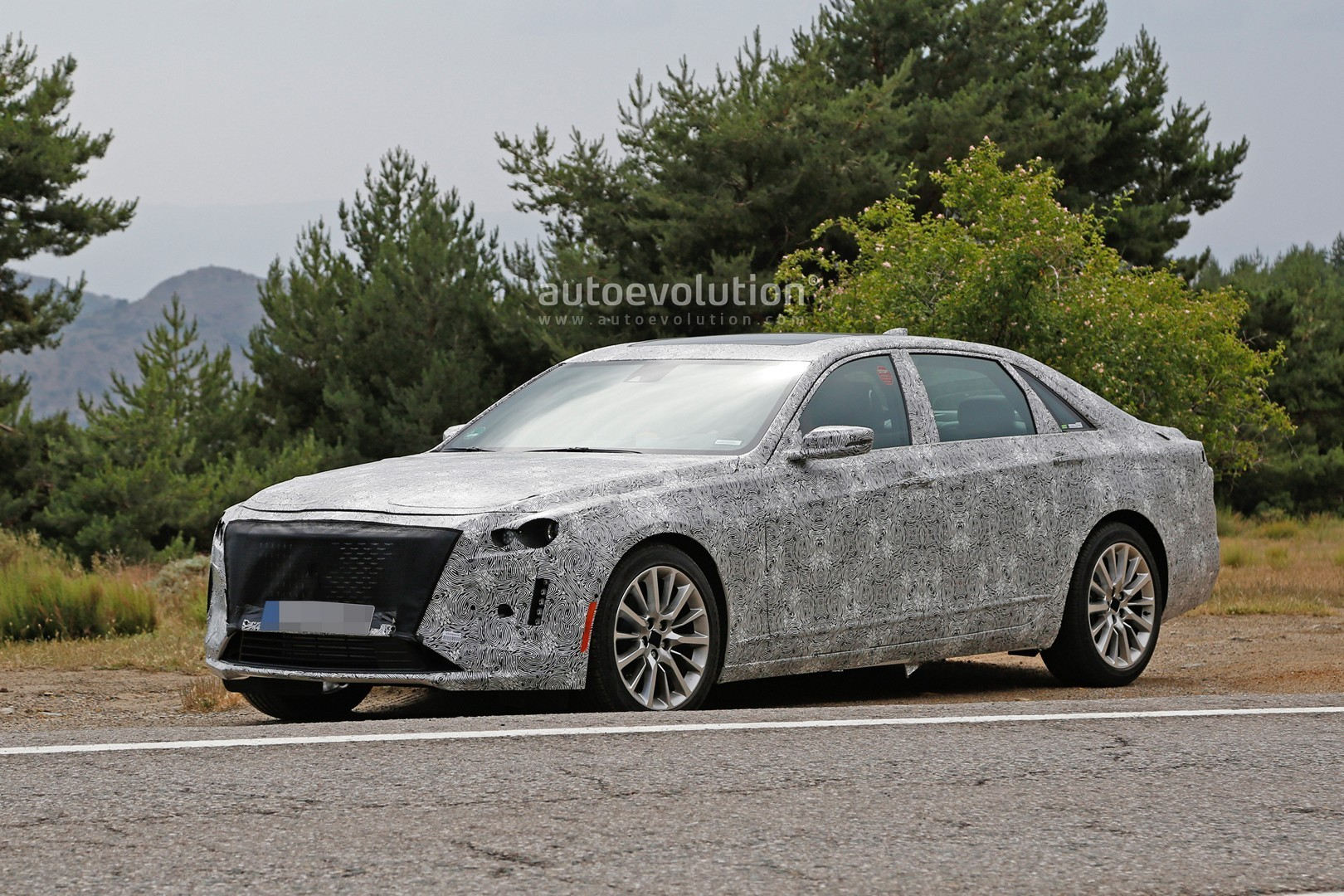 2019 Cadillac CT6 Facelift Makes Spyshots Debut, Has ...