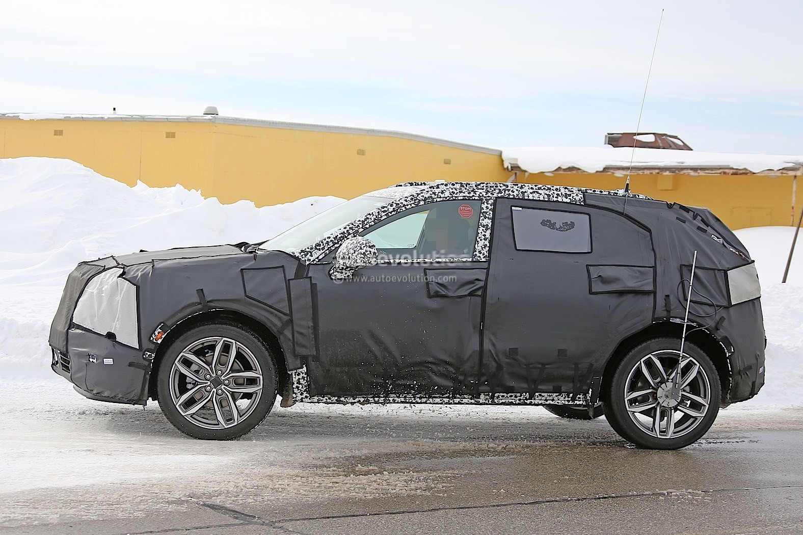 2019 Cadillac XT3 Finally Starts Testing, Looks Monolithic ...