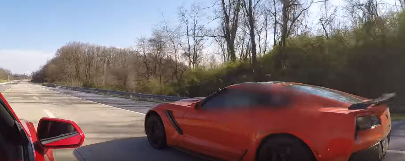 2019 Chevrolet Corvette Zr1 Drag Races Camaro Zl1 On The