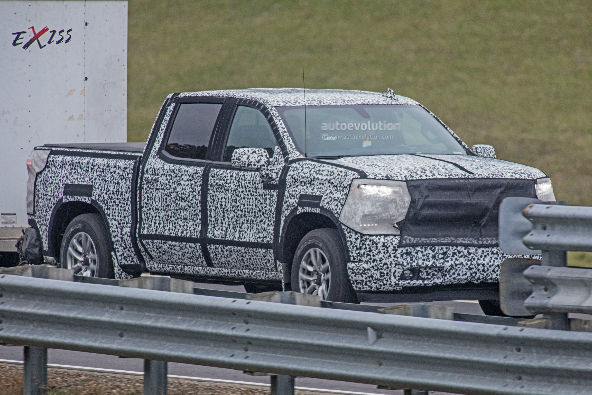 Spyshots 2019 Chevrolet Silverado Shows More Design Details