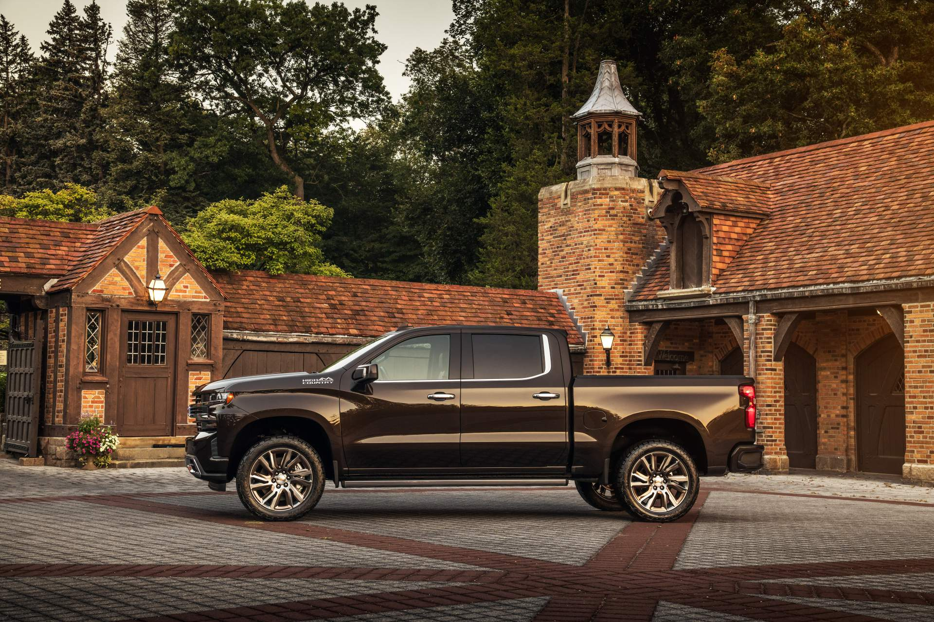 Chevrolet Tunes Four 2019 Silverado 1500 Models, Calls Them Concepts - autoevolution