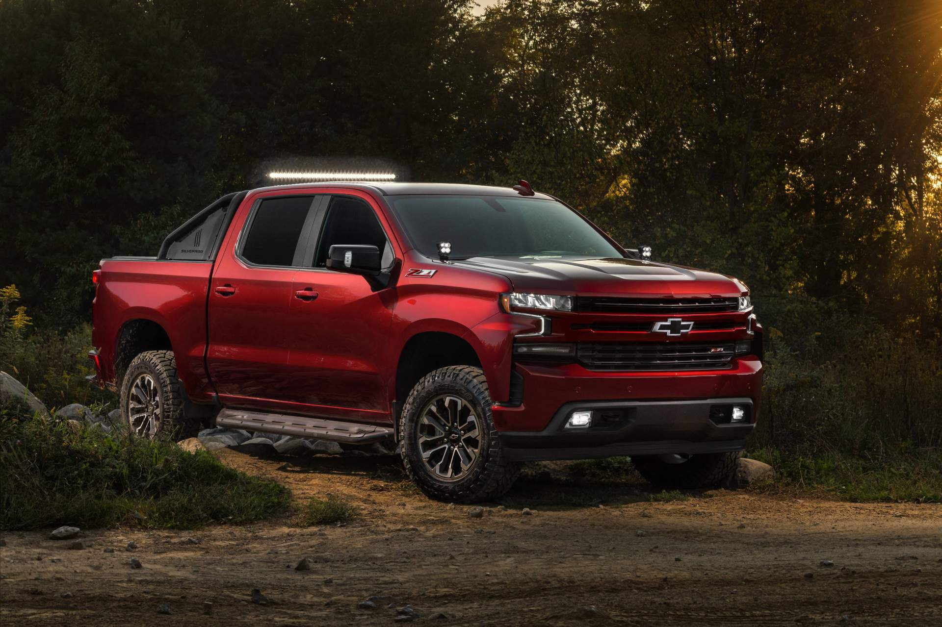 Chevrolet Tunes Four 2019 Silverado 1500 Models, Calls ...