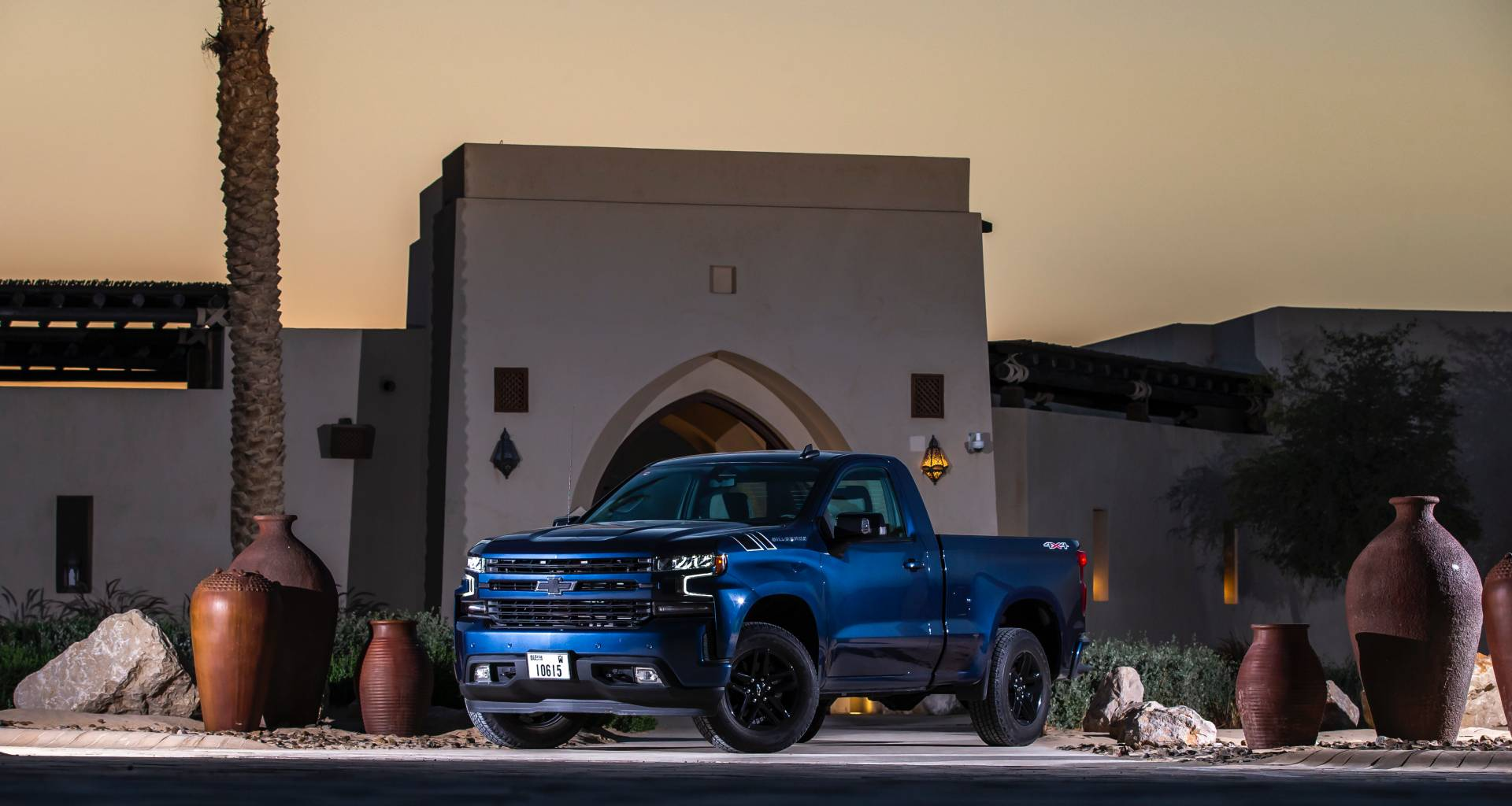 2019 chevrolet silverado single cab available as rst  trail boss in the uae