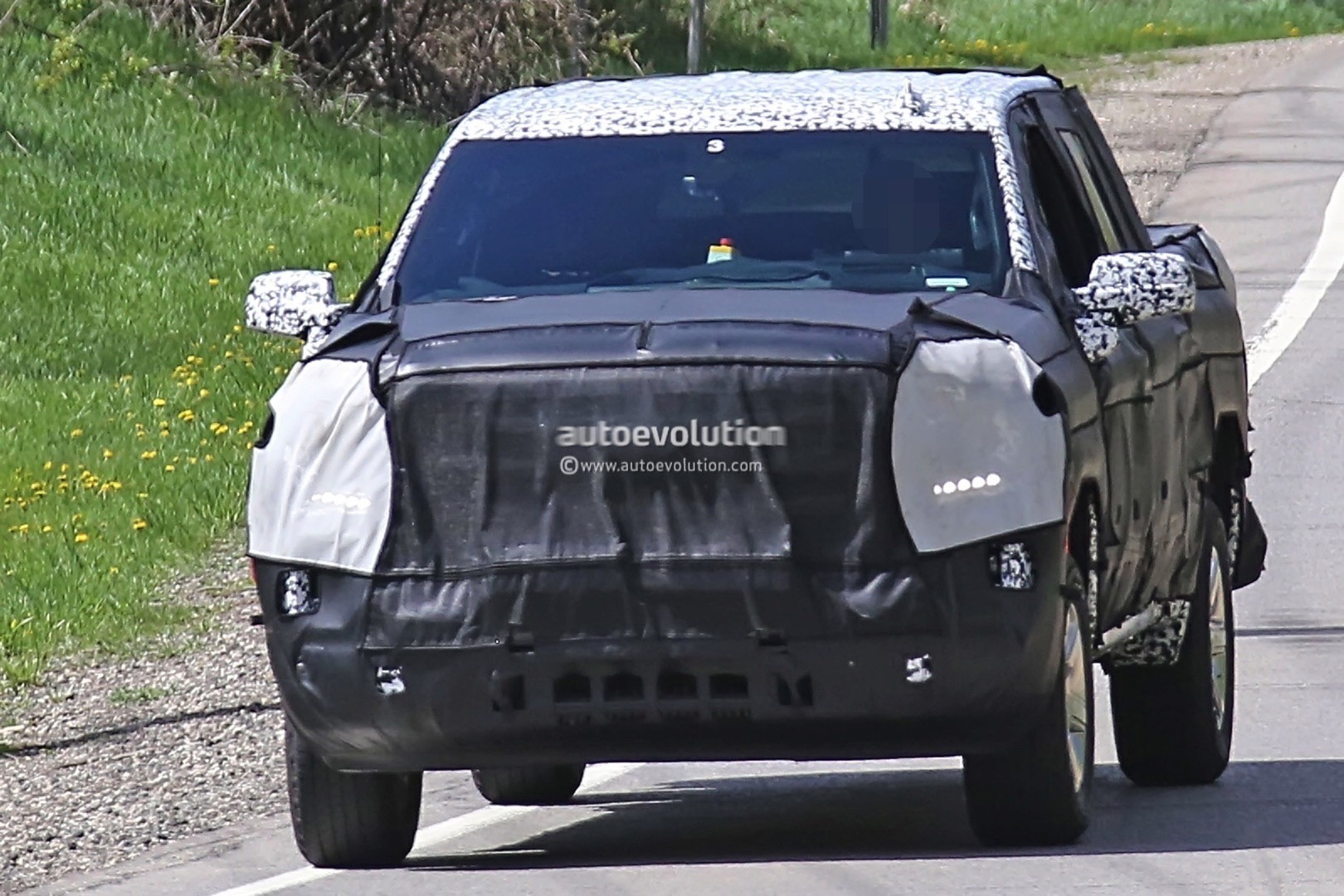 2019 Chevrolet Silverado Spied, Dual- And Side-Exit ...