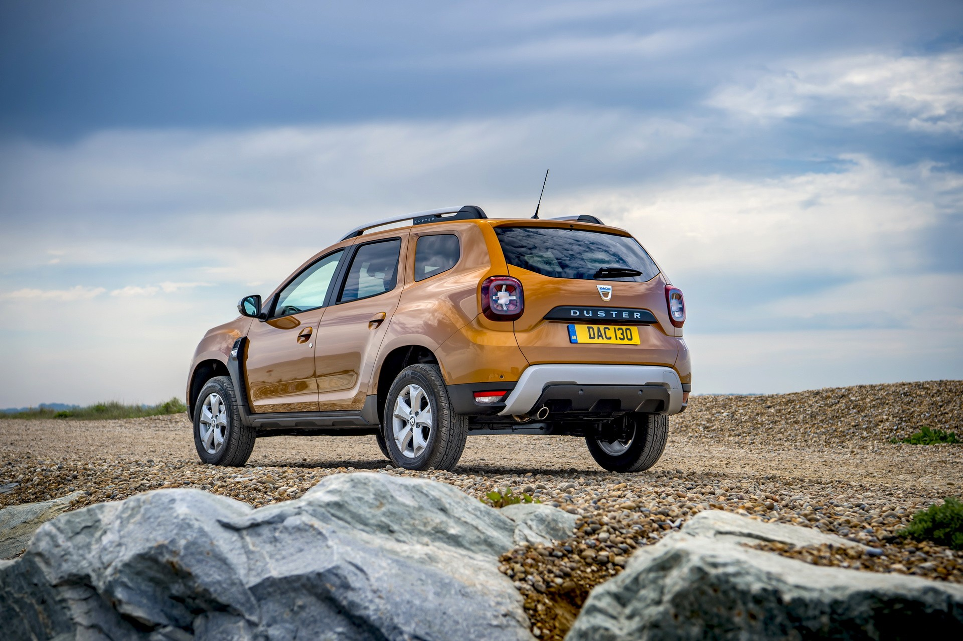 2019 dacia duster uk review says renault kadjar is a. Black Bedroom Furniture Sets. Home Design Ideas