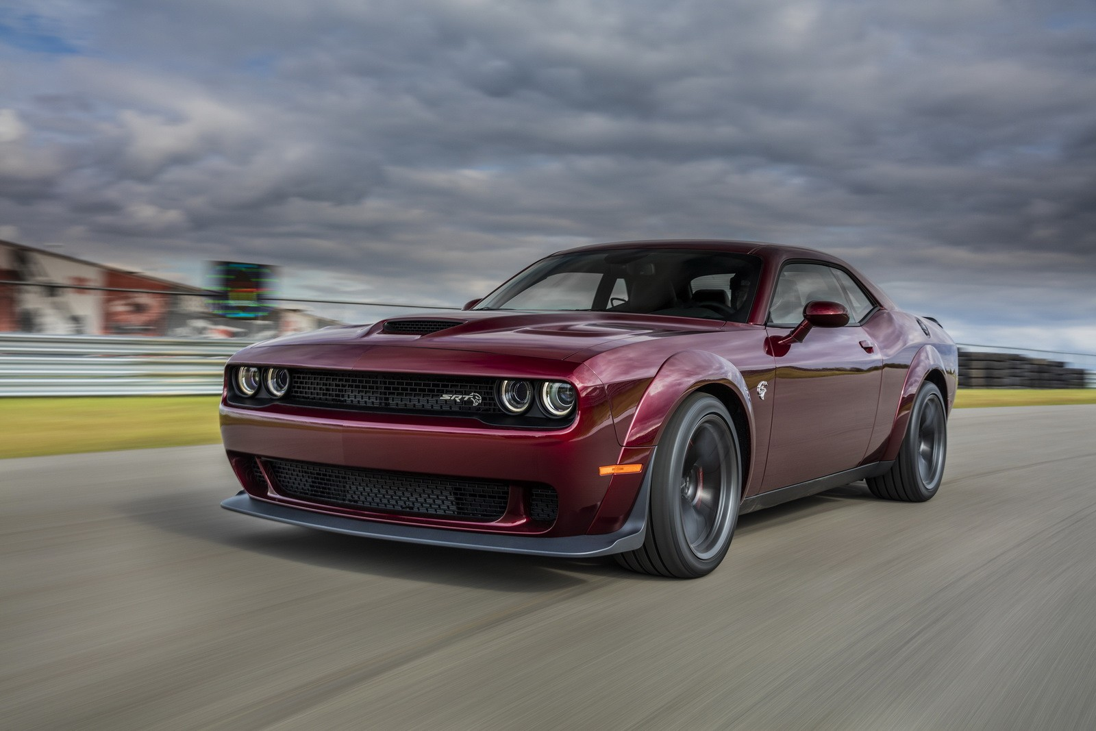 2019 dodge challenger srt hellcat previewed ahead of summer reveal autoevolution. Black Bedroom Furniture Sets. Home Design Ideas