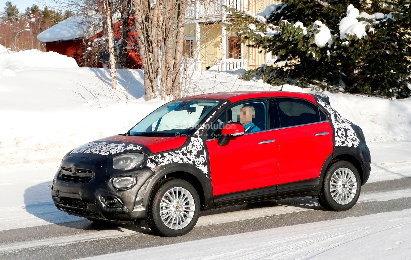 New Jeep Renegade >> 2019 Fiat 500X Facelift Spied Testing In Sweden - autoevolution