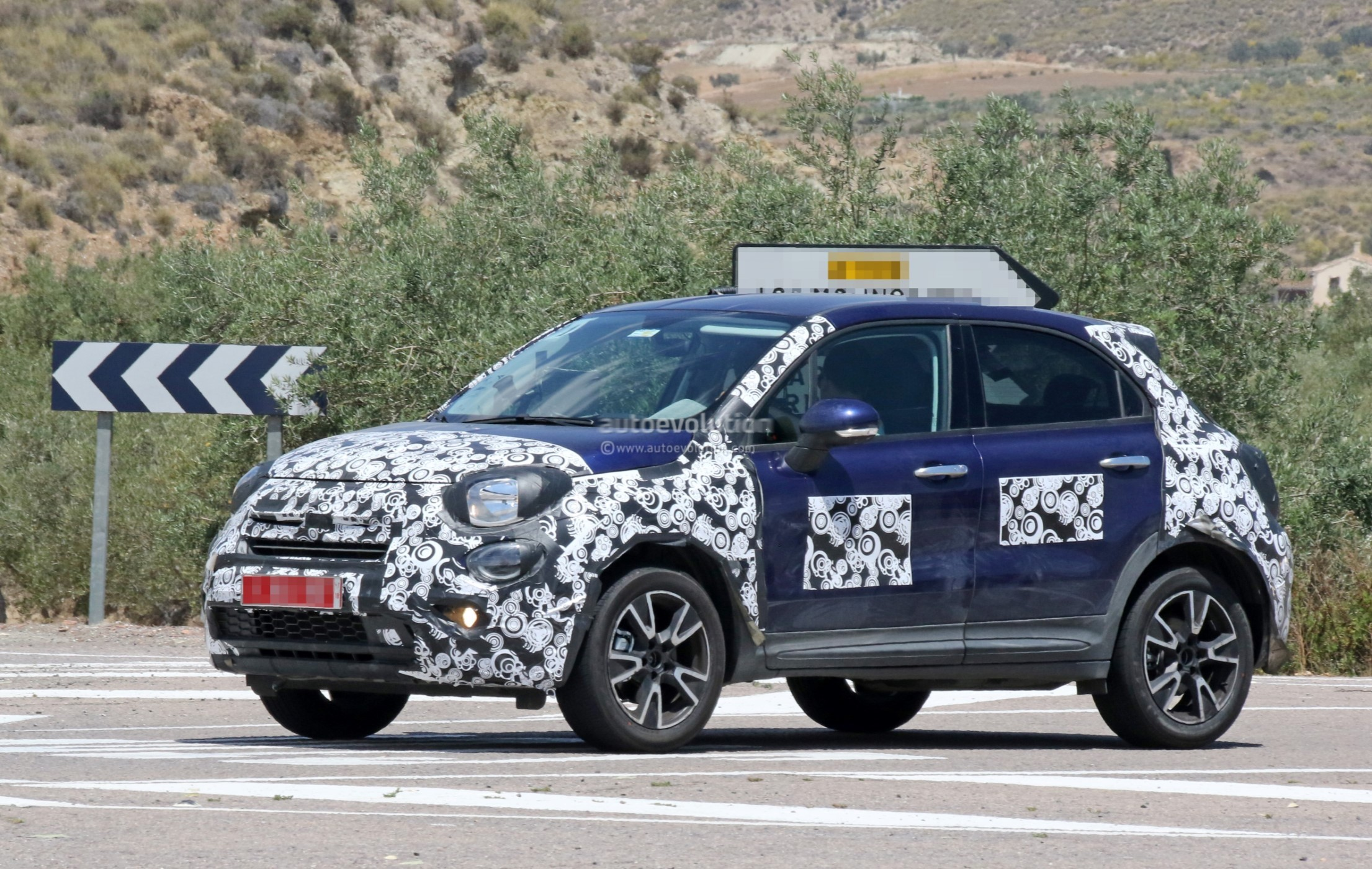 2019 fiat 500x looks predictable in teaser photo autoevolution. Black Bedroom Furniture Sets. Home Design Ideas