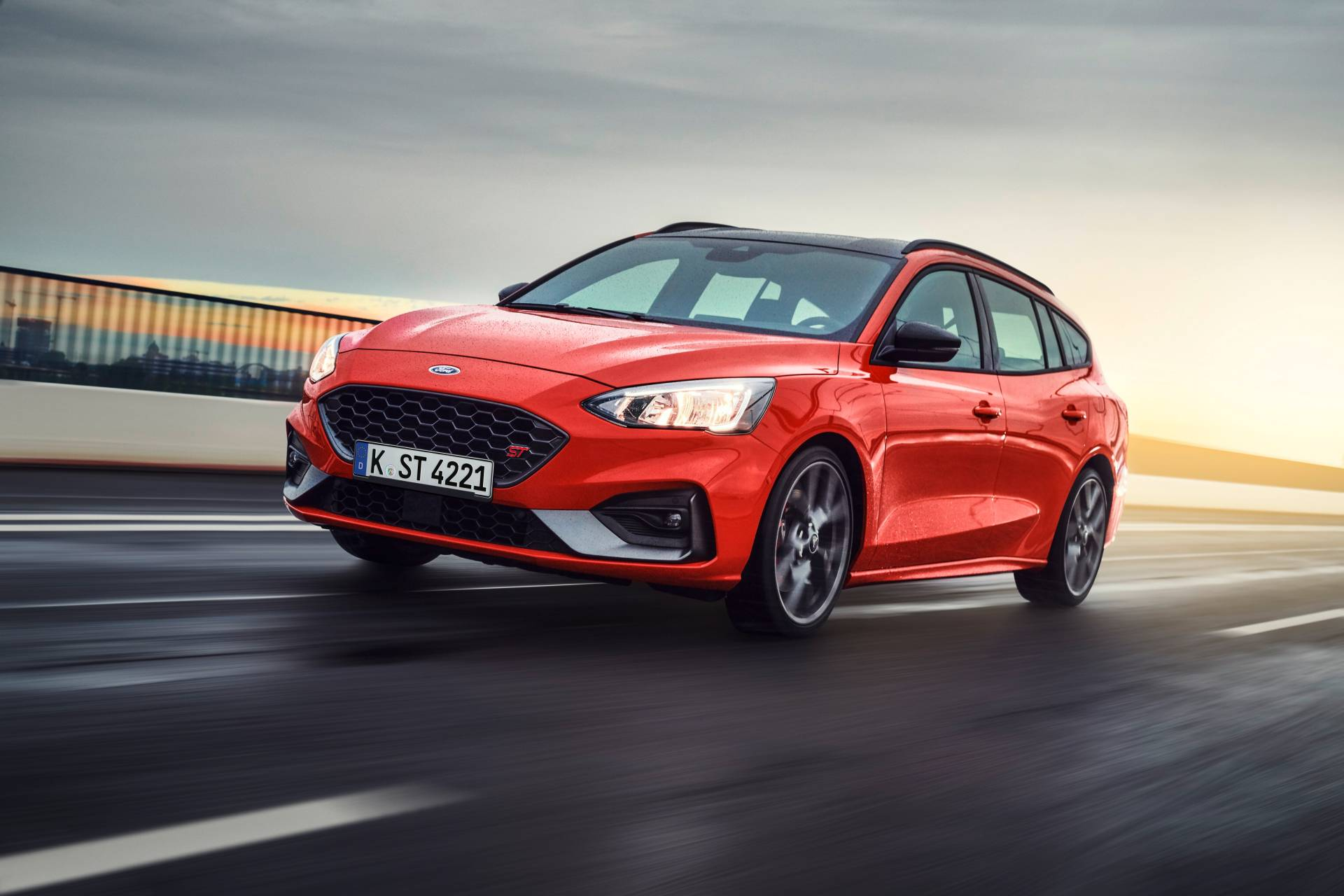 2019 Ford Focus ST Wagon Introduced With EcoBlue, EcoBoost ...