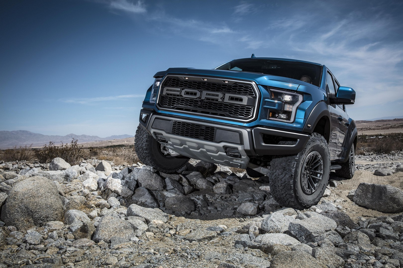 2019 ford f 150 raptor gets smart fox shocks and trail control autoevolution. Black Bedroom Furniture Sets. Home Design Ideas