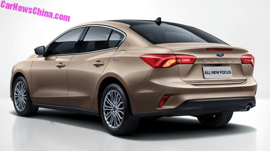 2018 - [Ford] Focus IV - Page 11 2019-ford-focus-sedan-looks-cheap-but-svelte-in-chinese-specification_2