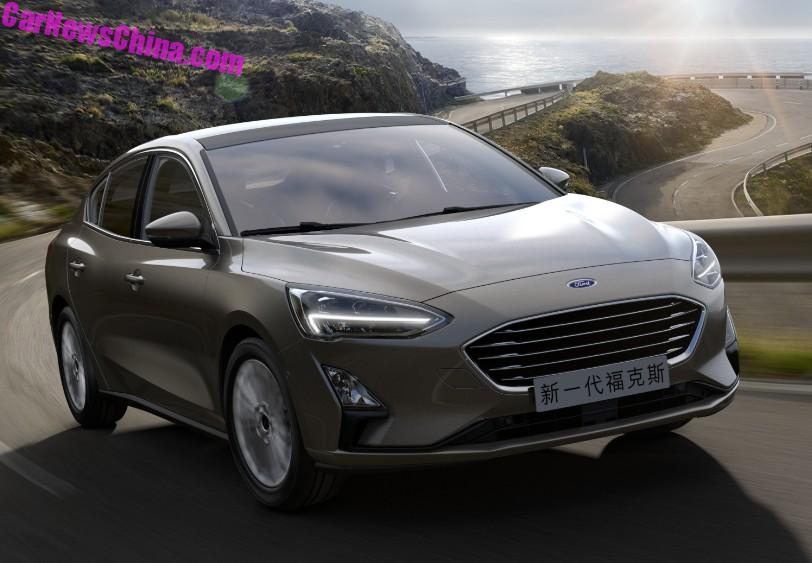 2018 - [Ford] Focus IV - Page 11 2019-ford-focus-sedan-looks-cheap-but-svelte-in-chinese-specification_4
