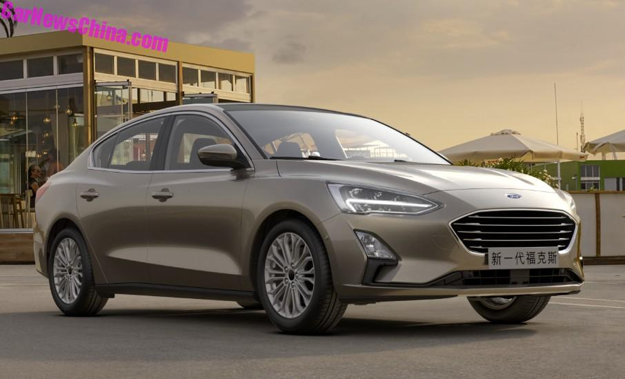 2018 - [Ford] Focus IV - Page 11 2019-ford-focus-sedan-looks-cheap-but-svelte-in-chinese-specification_5