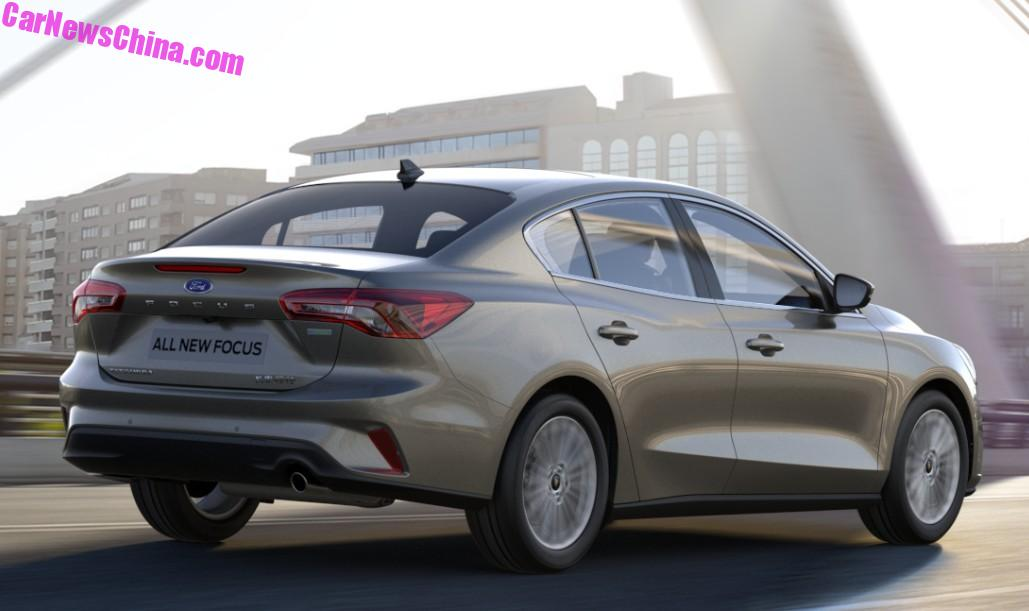 2018 - [Ford] Focus IV - Page 11 2019-ford-focus-sedan-looks-cheap-but-svelte-in-chinese-specification_6